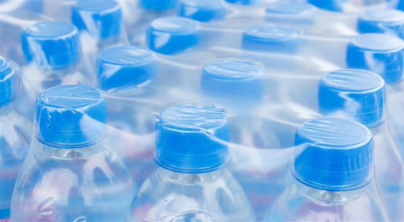 confezionare-bottiglie-acqua